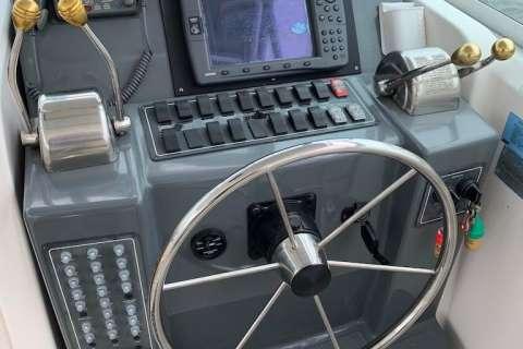 2002 Pursuit 3400 Express